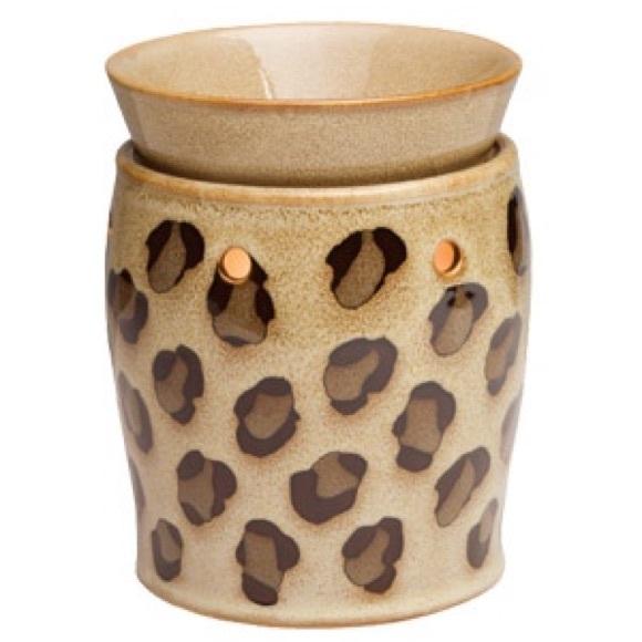 Leopard Print Scentsy Warmer w/ Wax Bars